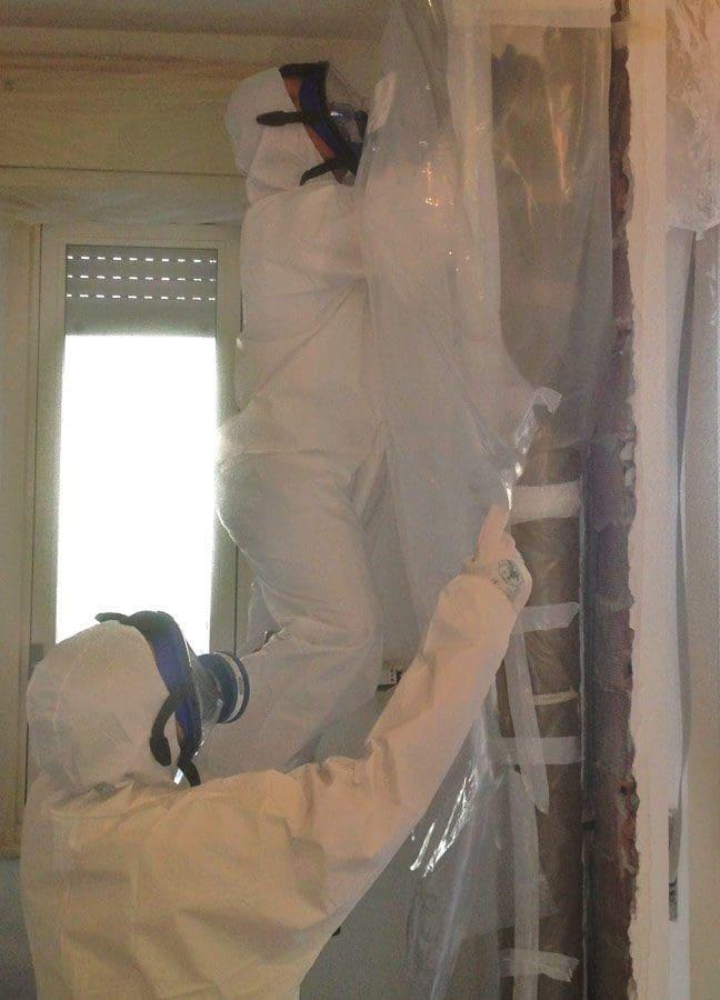 """rimozione tubo in amianto tramite """"glove bag"""""""