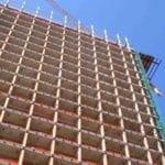 L'edificio dopo l'intervento strip out e lo smontaggio delle facciate.Completamente scheletrizzato (2)