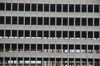 Esempio di palazzo 'strippato' in funzione di una ristrutturazione