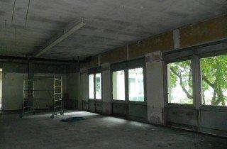 demolizione filiale banca intesa