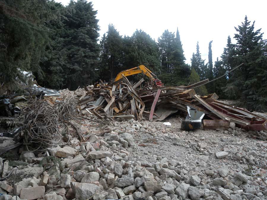 fase di demolizione industriale