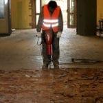 Demolizione pavimenti qui non si potevano usare escavatori